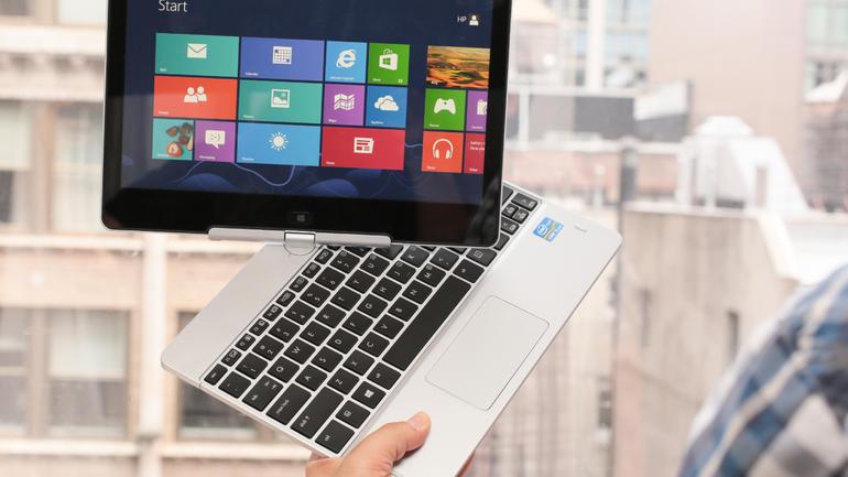 HP_business_Win8_laptop-tablet_in_a_little_11in_35567252_07